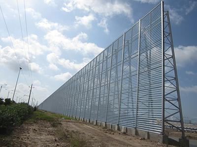 Steel structure of wind fence