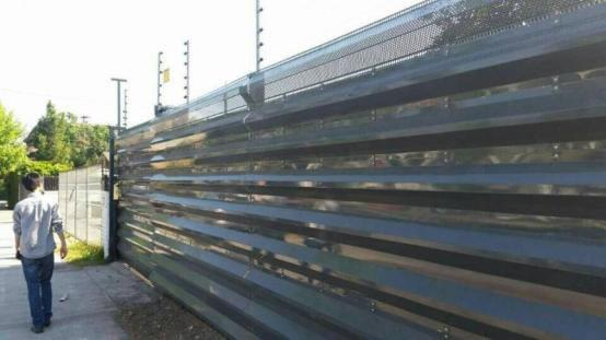 Steel Fence (Solid)
